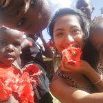 愛在烏干達 台灣女孩尤希谷在非洲的生命課  你的二手衣 她的美麗生機  「讓我們幫媽媽們買台裁縫機吧!」
