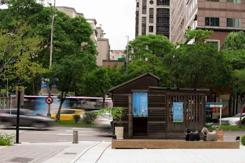 40周年特展台北站於信義遠百A13-1F-Lady-M旁廣場溫馨展出